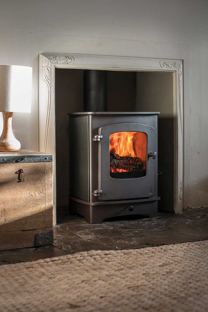 Charnwood Cove 1 Wood Burning Stove With Low Arch Base