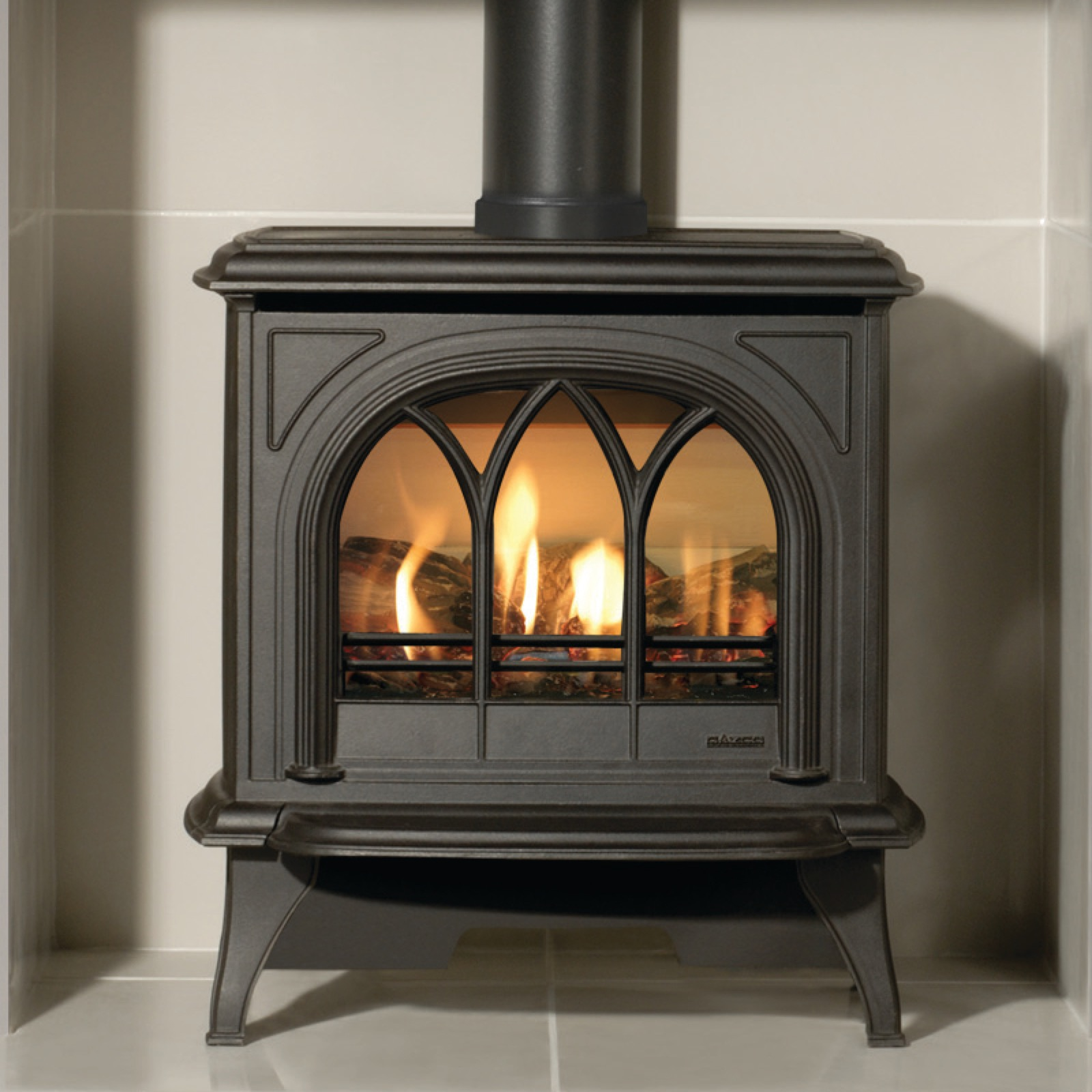 Gazco Huntingdon 30 Matt Black Tracery Door Log Effect