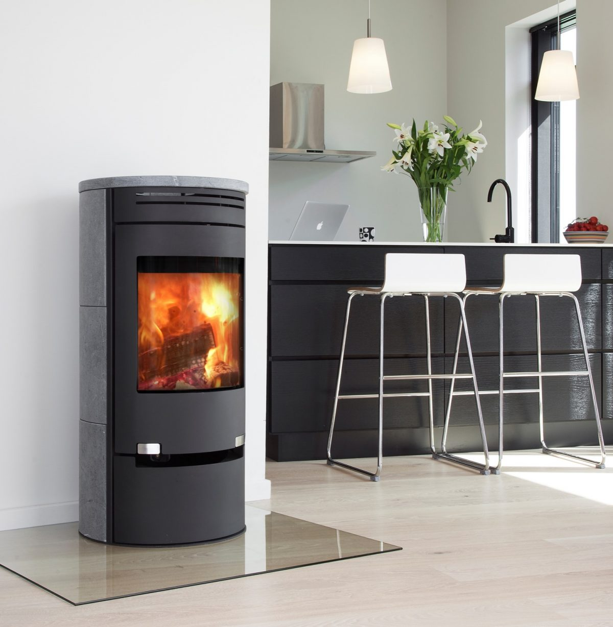 ADURO 1-1SK Wood Burning Stove with drawer and Soapstone top and back