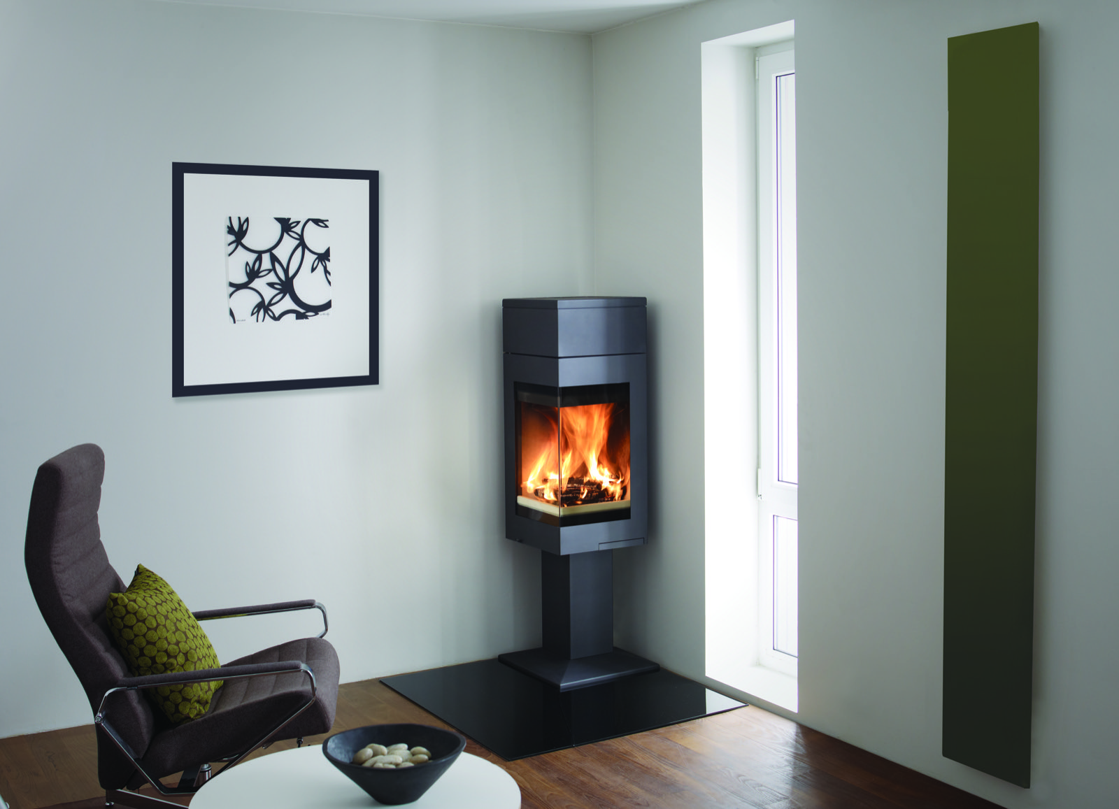 nordpeis quadro 1t wood burning stove with pedestal base. Black Bedroom Furniture Sets. Home Design Ideas